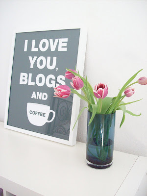 Is Blogging the Best Medium? image i love you blogs and coffee