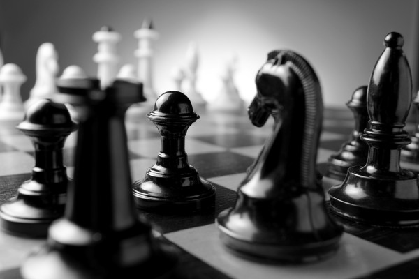 3 New Strategic Rules of Customer Service image Chess1 600x400