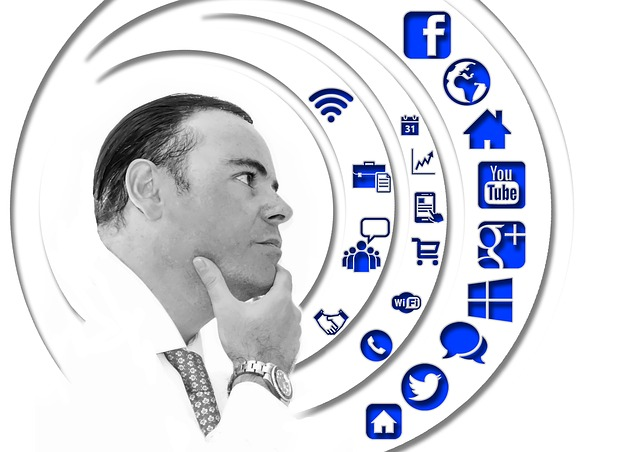 Overview of the 3 Great Social Media Management Tools image man 404376 640
