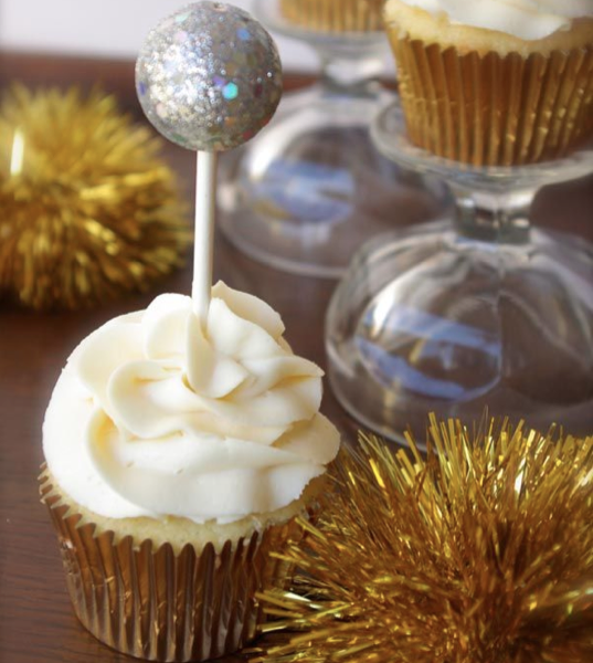 Cupcake Decorating Ideas New Years Eve : 5 Pinterest New Years Eve Ideas That Are Better Than ...