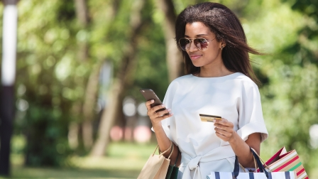 7 tips to generate more leads on mobile devices - consumer customer mobile shopping