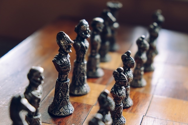 B2B Commerce: 4 Ways to Stay Competitive