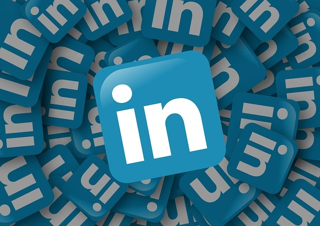 How to Write Conversational Status Updates, Posts and Content on LinkedIn