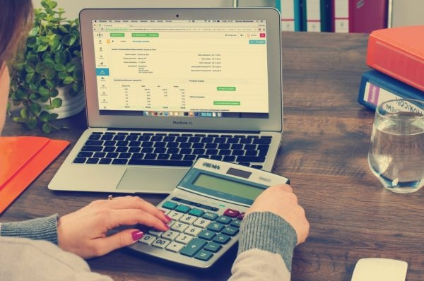 9 Things to Consider When Choosing an Online Accounting System