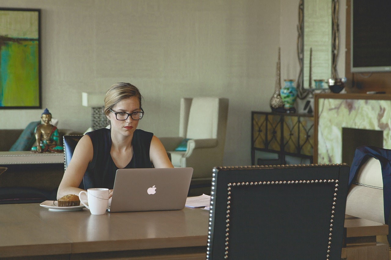 Do These 5 Things to Manage Remote Employees Better