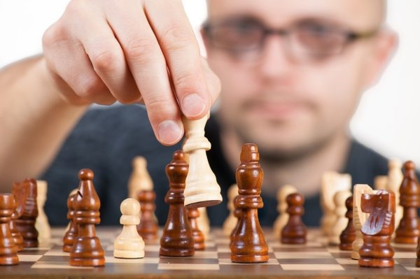Bigger Isn't Always Better: Learning to be a Key Player in Your Own Game