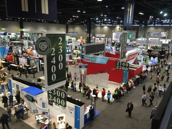 7 Ways to Get More Mileage For Your Trade Show Social Content After The Show