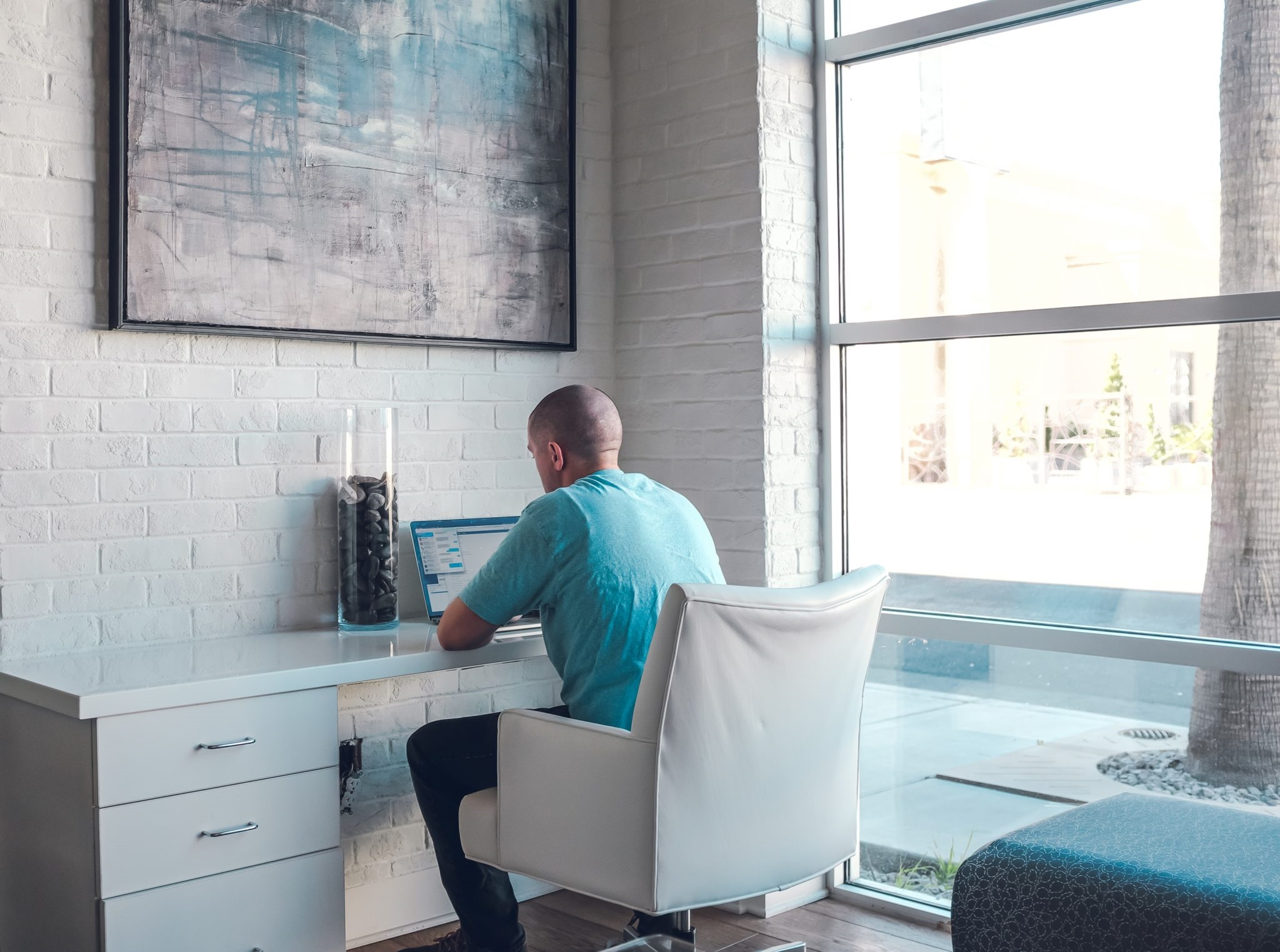 Relocation vs. Remote Worker: Which Is Best for Top Marketing Talent?