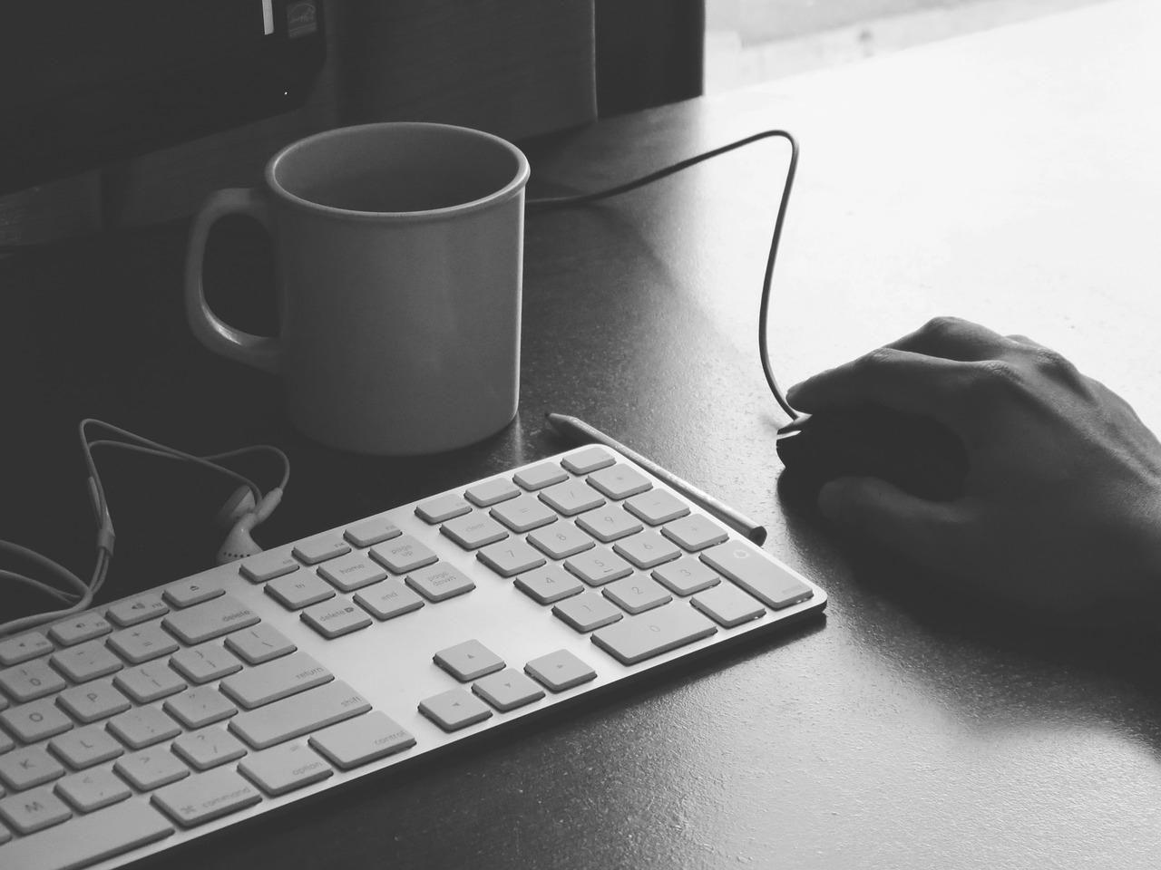 8 Ways to Make Blogging Easier If You're Not a Good Writer