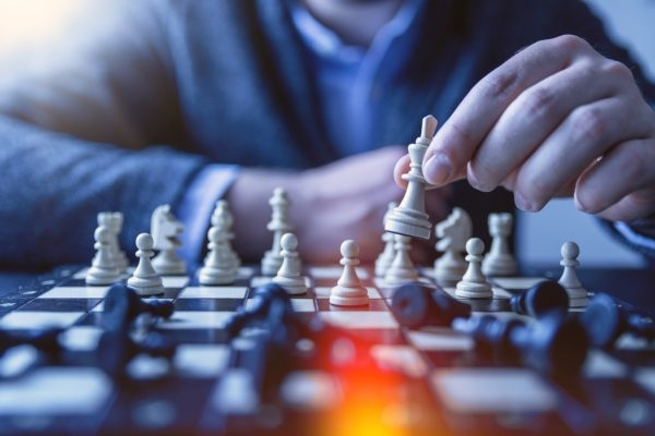 How to Implement Strategic Leadership in Your Organization