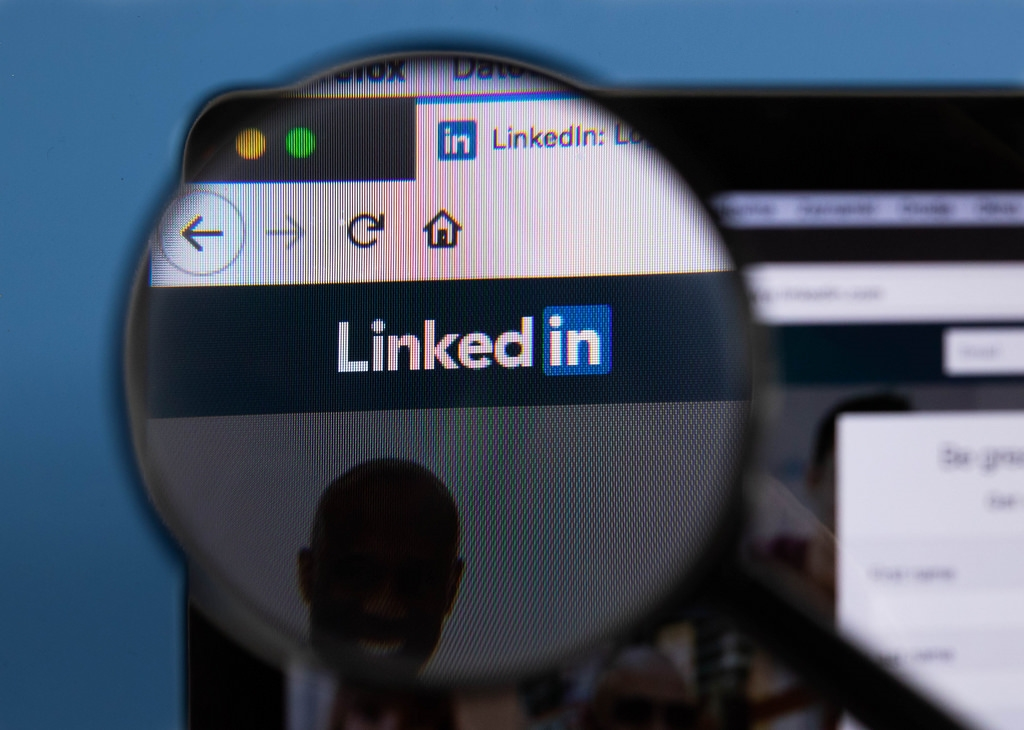 Do You Respond to Every Request on LinkedIn?