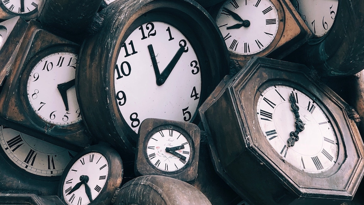 Sometimes non-billable people should track their time. See how to decide!