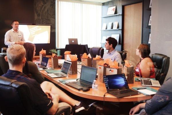 6 Tips on How to Delegate Tasks at Work