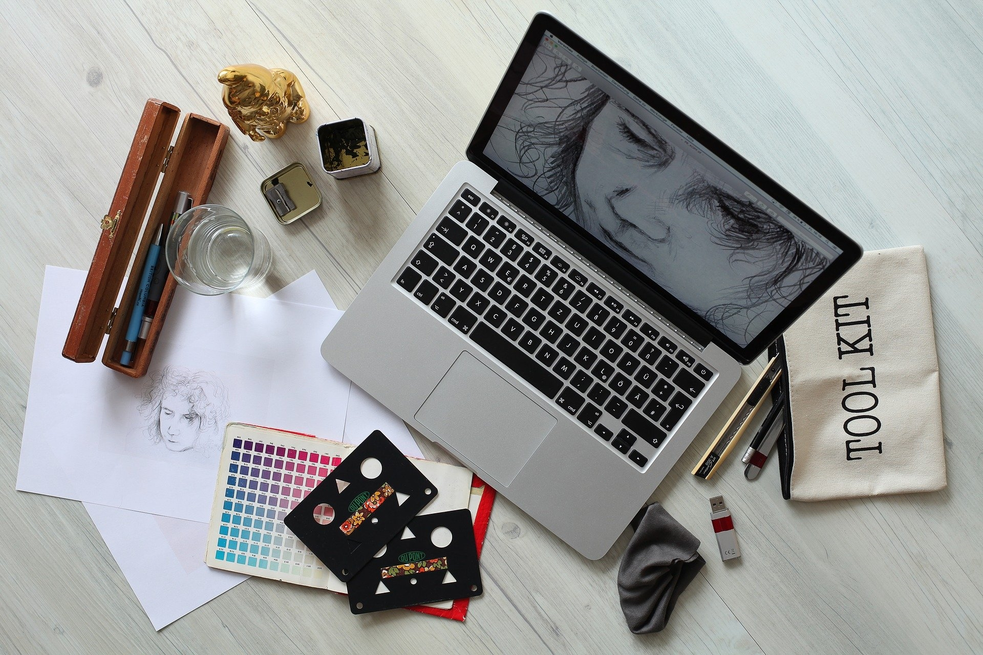 How to Find and Hire the Best Graphic Designer
