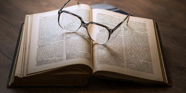 Lazy Copywriting: 5 Persuasion Traps Copywriters Fall Into