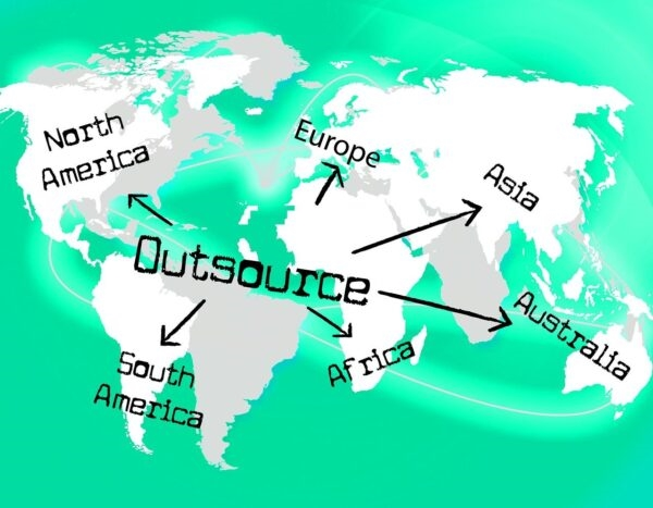 5 Reasons Your Small Business Needs to Outsource Now
